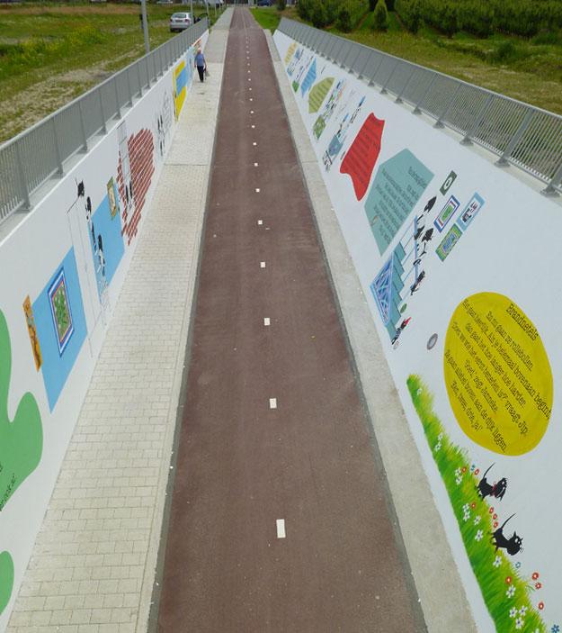 muurschildering richting woonwijk Zuidhoek